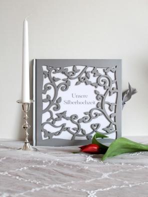 Album oder Gästebuch mit gestanztem Scherenschnitt- Cover