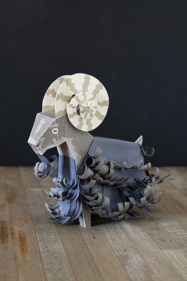 Faltmanufaktur Year of the Sheep Papertoy